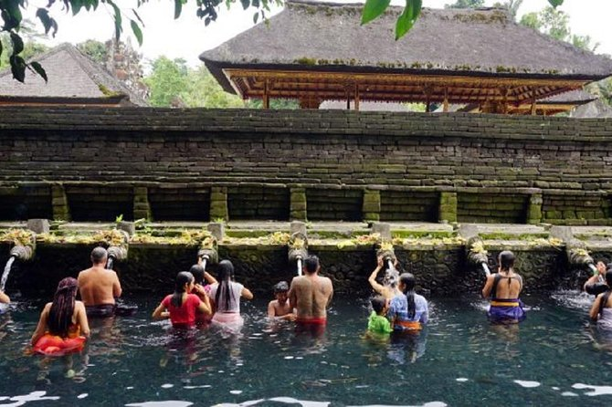 Amazing Best Private Tours-Bali Bird Park And Tirta Empul Temple Include Lunch