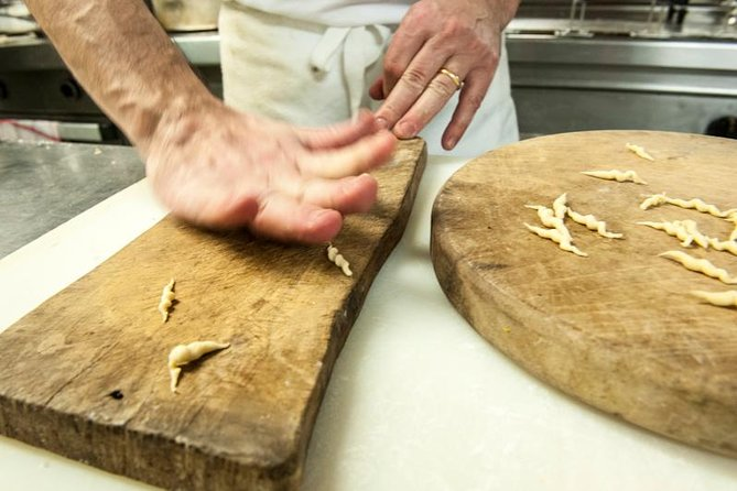 Genoa: private cooking class in a noble palace