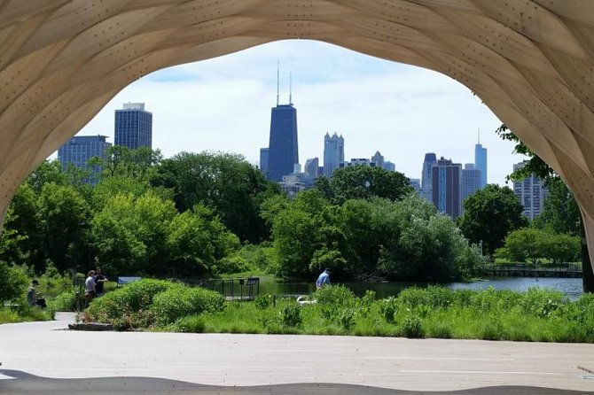 Walking Tour of Lincoln Park in Chicago