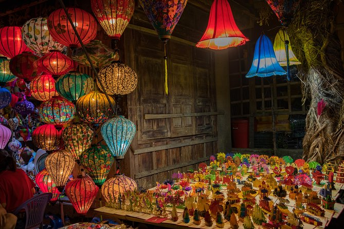 Hoi An Mysterious Night Tour with Dinner from Da Nang