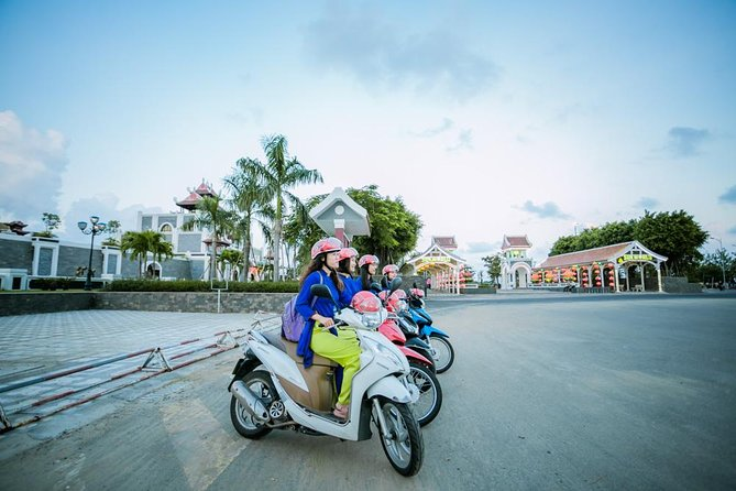 Danang Foodie & Sightseeing By Night-Aodai Rider & Guide