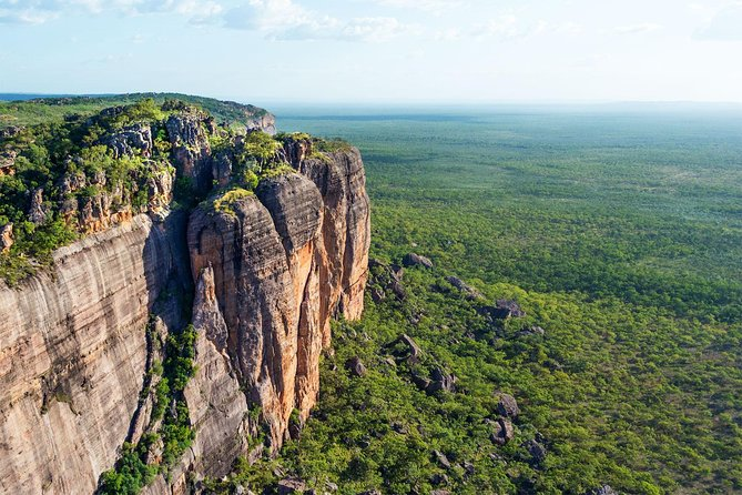 Darwin to Kakadu Day Trip by Air Including Yellow Water Cruise