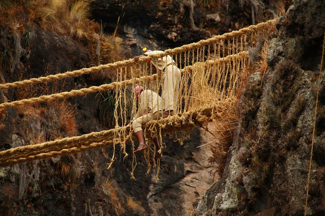 Last Inca Bridge Rope tour Queswachaca with four laggons