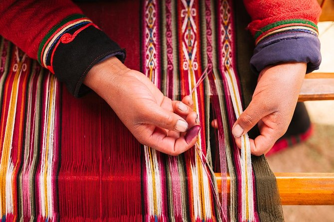 Andean Weaving Tour with Huaypo Lagoon photo 1