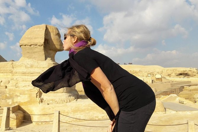 private guided tour to Giza pyramids & sphinx from Cairo or Giza tours