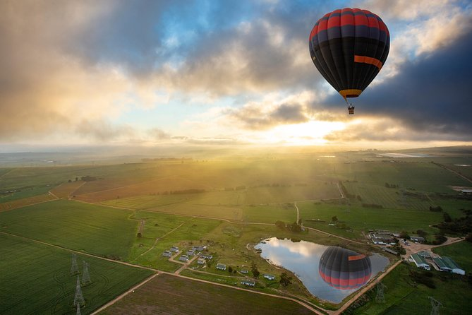 A Must Do In Cape Town - Hot Air Balloon Flight In The Cape Winelands