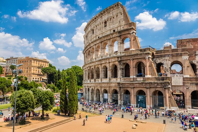 Skip-the-Line Colosseum Ticket with Palatine Hill and Roman Forum Walking Tour