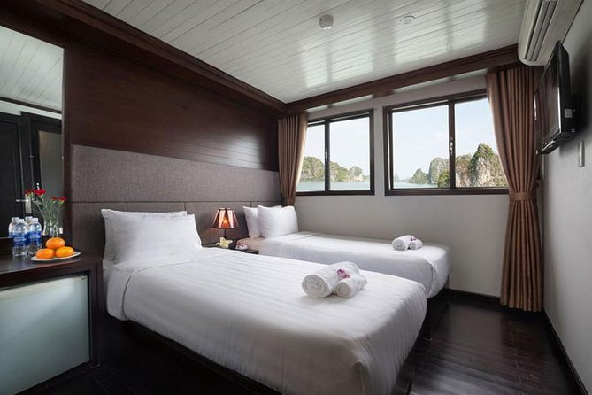 The Best Cruise To Explore Halong Bay
