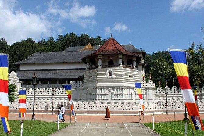 Day Trip To Kandy From Sigiriya