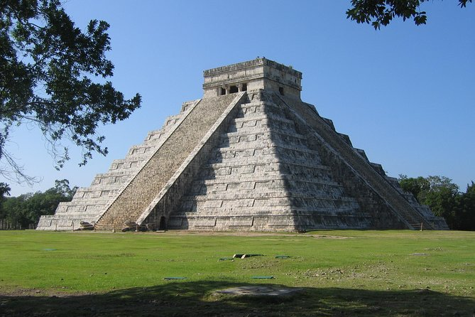 Chichen Itza Tour with Catamaran To Isla Mujeres