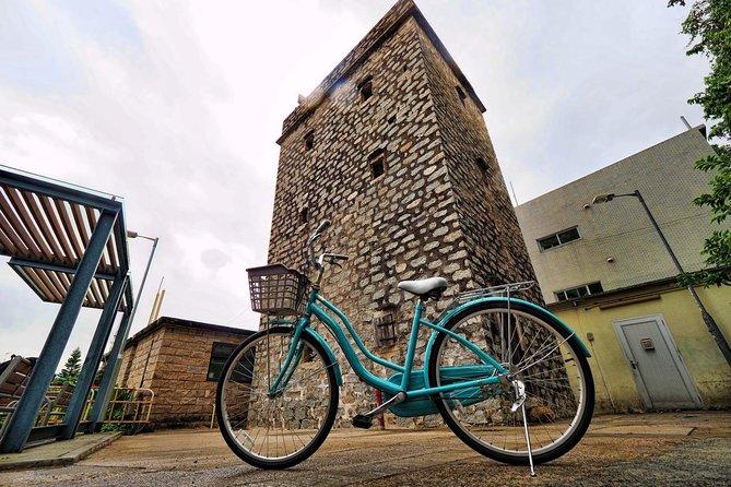 Lantau Island: Biking Tour in Mui Wo with lunch