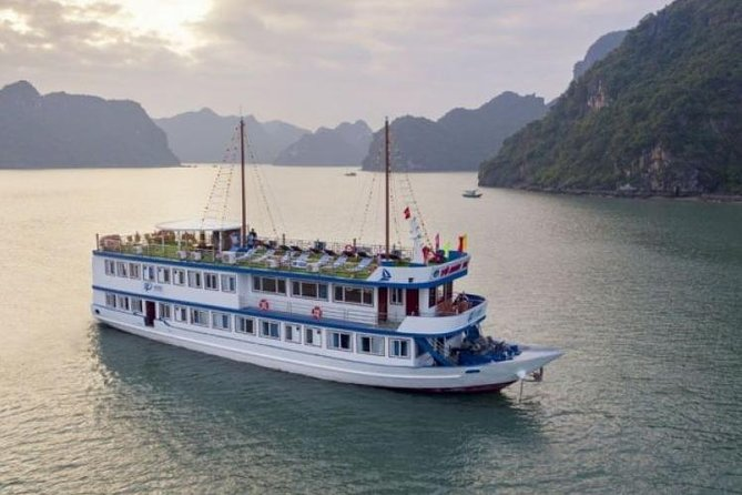 Halong Bay Cruise Overnight 2days - 1night on 4 star luxury Boat