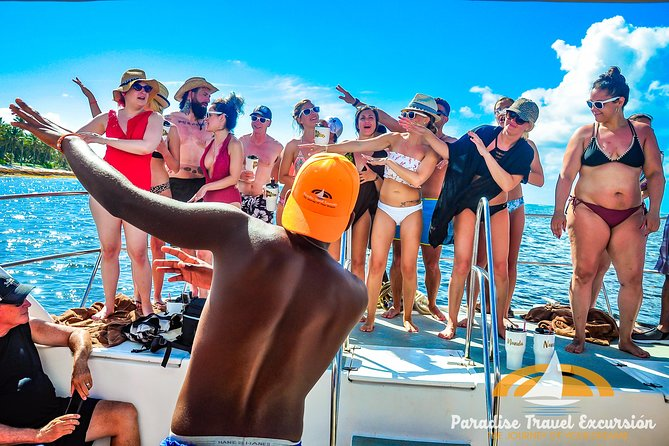 Paradise Boat VIP snorkeling and Party photo 1