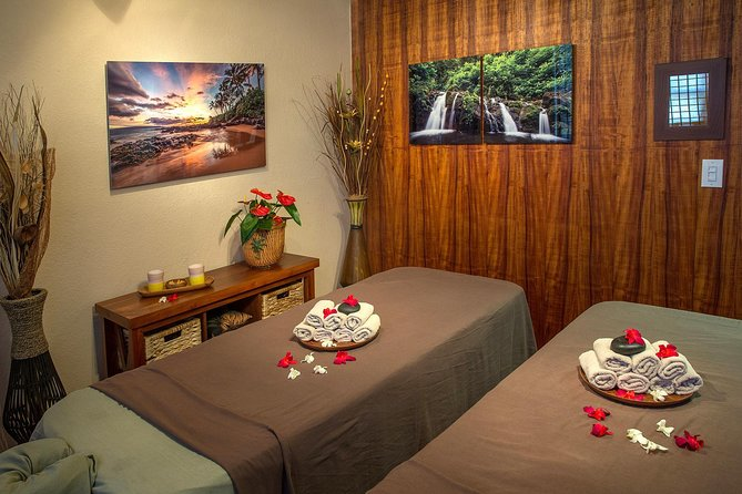 60 Minute Couples Massage photo 1