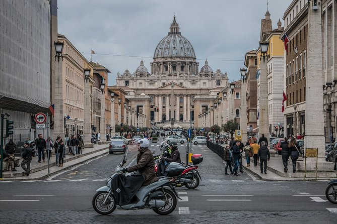 Skip the Line: Vatican Museum Ticket photo 1