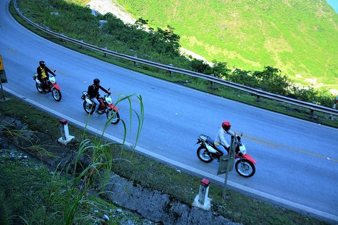 14 Days Hanoi to Saigon Motorbike Tour via Ho Chi Minh Trail photo 2