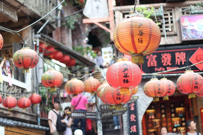 Jiufen and Shifen day trip from Taipei with sky lantern experience!