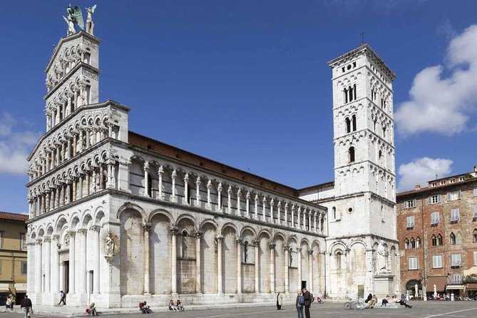 Lucca: Self-Guided Tour by Bike