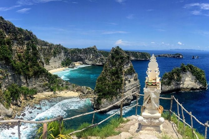 1 Day Tour of Beautiful Atuh Beach & Teletubbies Hill on Nusa Penida island Bali