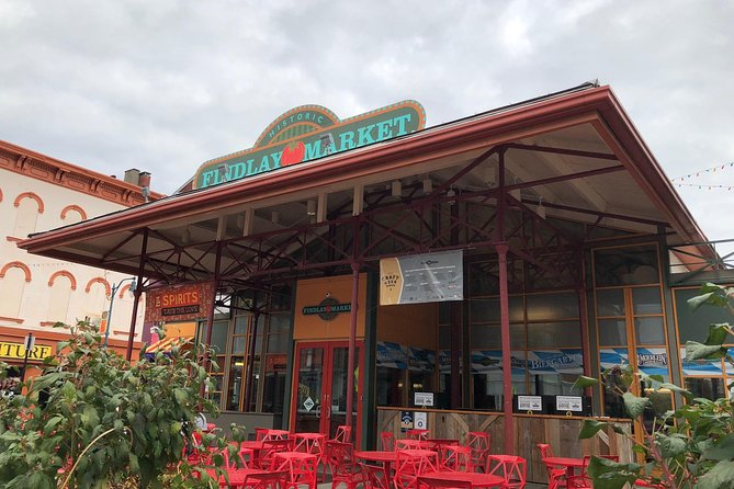Cincinnati's Original Findlay Market Tour With Tastings