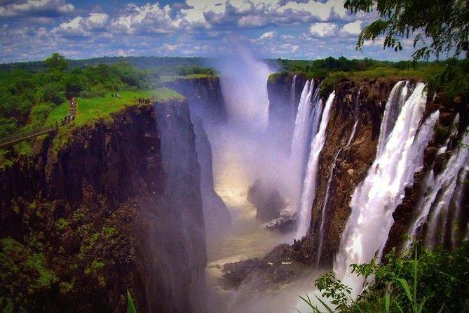 - Cataratas Victoria, ZIMBABUE
