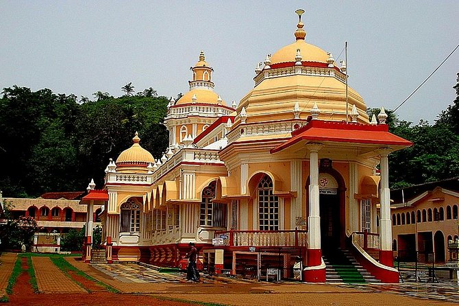 Sightseeing in South Goa - Churches, Beaches and Feni