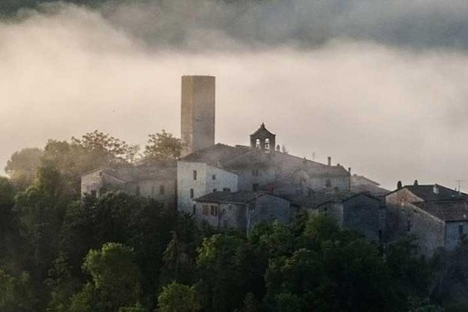 Walking tour among woods and charming umbrian villages photo 3