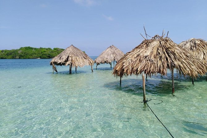 Exclusive Full-Day Trip on the Islands, Cholon and Gente de Mar from Cartagena