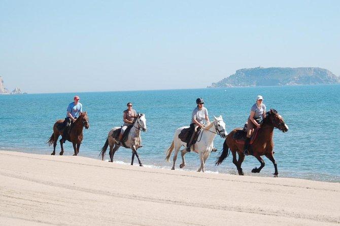 Équitation sur la plage