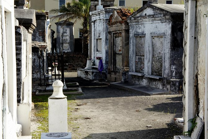 New Orleans Voodoo and Cemetery Walking Tour