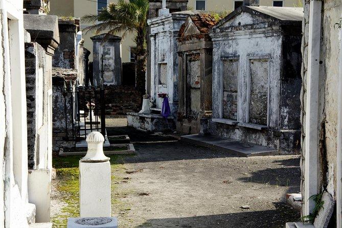 Wandeltocht Voodoo en begraafplaats