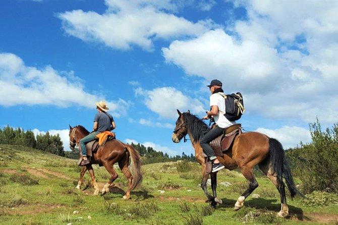 Cusco: Private Horseback Riding to the Moon Temple & Balcón del Diablo