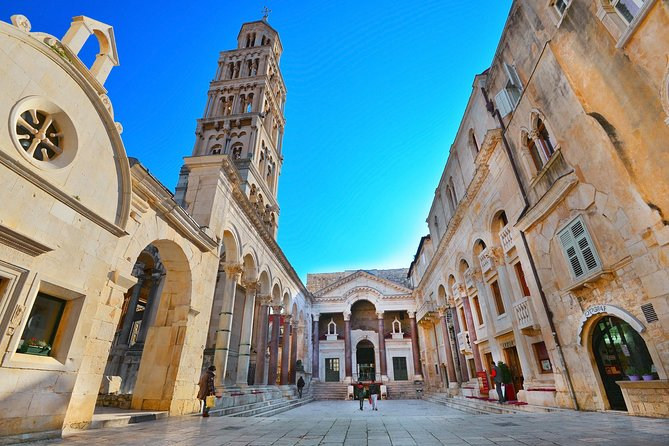 Private 2-hour morning walking tour of UNESCO town Split