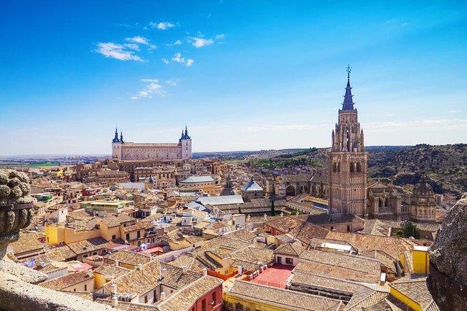 マドリードからのトレド1日旅行(バス、ガイド、記念碑の入場を含む)