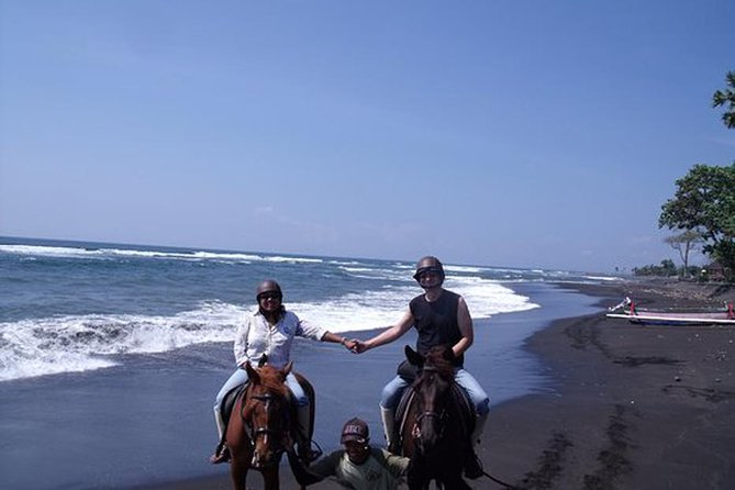 Riding a Horse to Enjoy the Extremely Black Sand Beach and Kanto lampo waterfall
