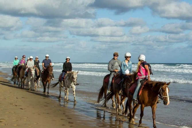 Bali Horse Riding Tour at Black Sand Beach and Beautiful Tegenungan Waterfall