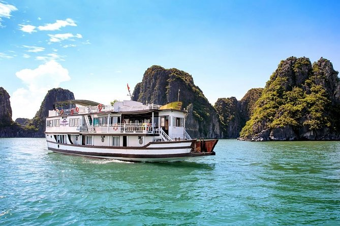 2-day Ha Long Bay Cruise included Transfer, Kayking and Cooking Class