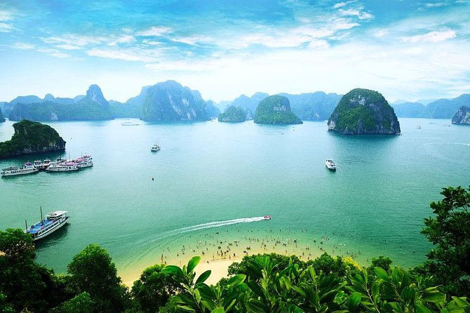 Ha Long Bay - 6 hours on 3-star Cruise with Kayaking, Surprising Cave and Titop Island