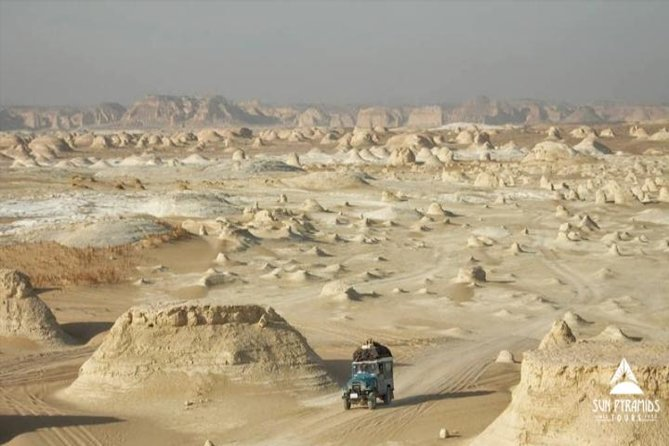 Day Tour to White Desert and Bahariya Oasis in Egypt
