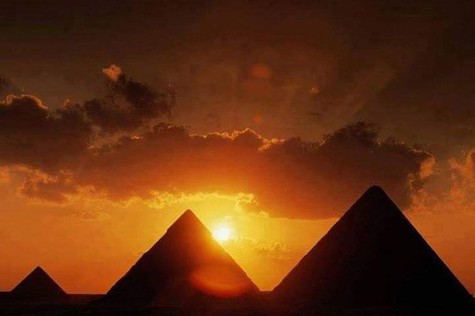Cairo by bus guided group tour, Pyramids, Egyptian Museum,Lunch and Shopping