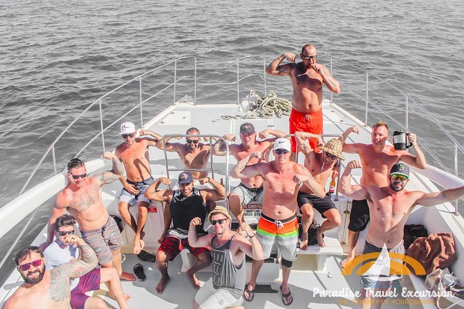 Paradise Boat VIP snorkeling and Party photo 8