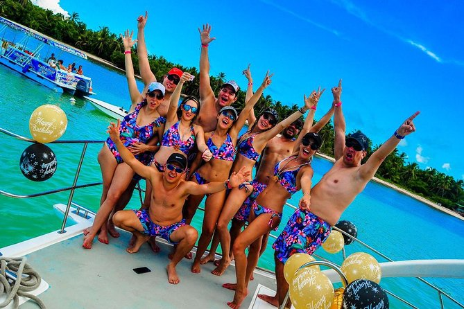 Paradise Boat VIP snorkeling and Party photo 12