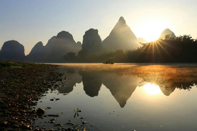 One Day Private Tour of Li River Cruise and Yangshuo Village