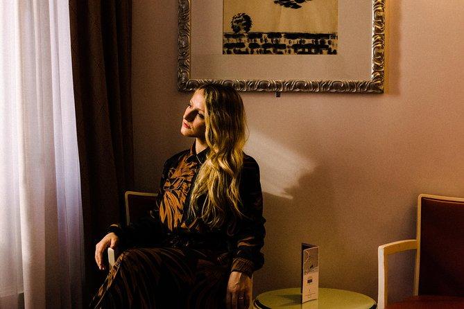 Portrait session in a magnificent 5 star hotel, Venice