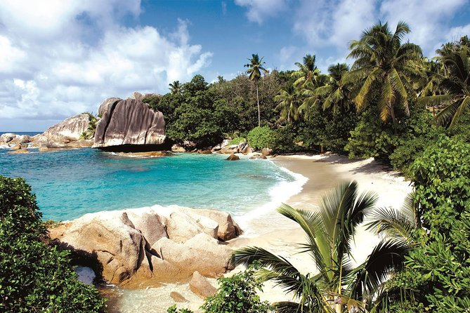 Full-Day Excursion of Coco, Sister and Felicite Islands from Praslin Island