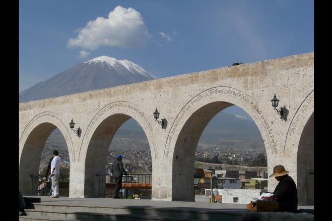Afternoon: Arequipa Panoramic bus with entrances photo 4