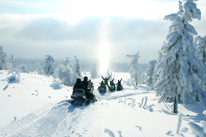 3h30 Snowmobile Guided Tour/Rental All inclusive 1 hour drive from Montreal