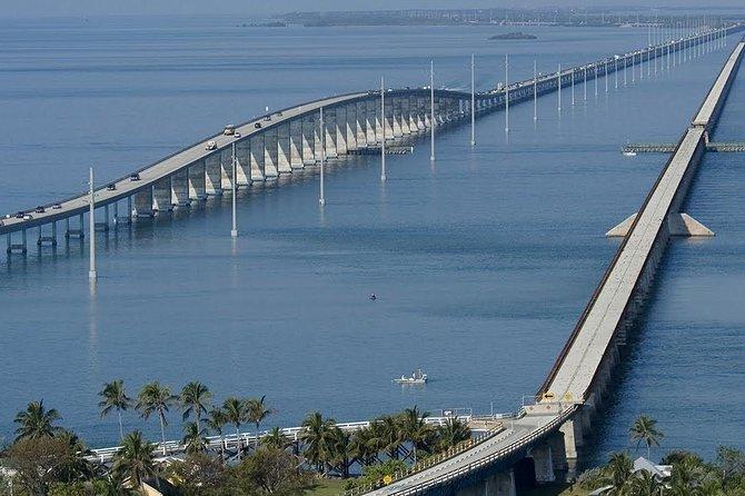 Key West Tour of Seven Mile Bridge and Beach Picnic