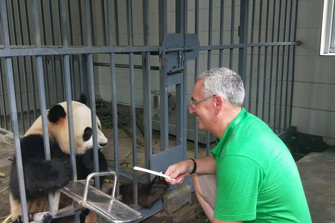 Private Panda Keeper Day Experience of Giant Panda Base Volunteer Program