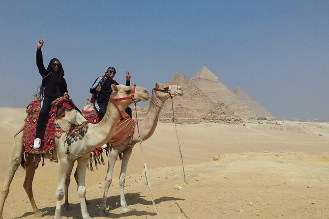 Private Tour of the Pyramids, Sphinx, Egyptian Museum and Bazaar including Camel Ride and Lunch from Cairo